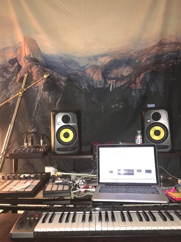 studio 1 workstation
